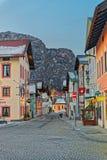 Via di Garmisch-Partenkirchen con la decorazione di Natale Immagini Stock Libere da Diritti