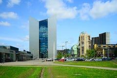 Via di Konstitucijos della città di Vilnius con i grattacieli Fotografie Stock Libere da Diritti