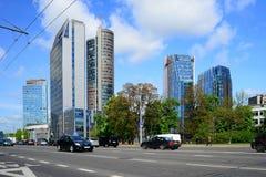 Via di Konstitucijos della città di Vilnius con i grattacieli Immagine Stock Libera da Diritti