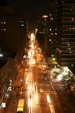 Via di New York alla notte Fotografia Stock Libera da Diritti