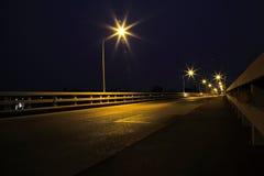 Via di notte. Fotografie Stock
