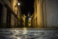 Via di notte a Lagos, Portogallo Fotografia Stock