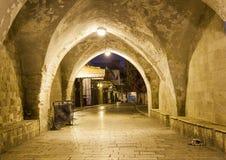 Via di notte a Tianjin Gerusalemme, Israele Immagini Stock