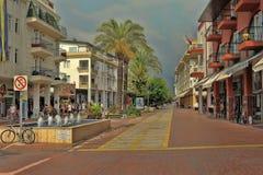 Via di Pedestrianized in Kemer Immagini Stock