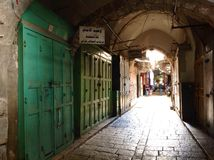 Via di Pictouresque nel quarto arabo in vecchia città, Gerusalemme Fotografie Stock Libere da Diritti