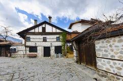 Via di pietra nella vecchia città Bansko Fotografie Stock Libere da Diritti