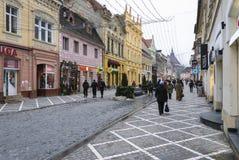 Via di Republicii dalla città di Brasov Immagini Stock Libere da Diritti