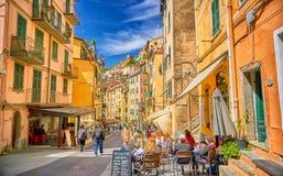 Via di Riomaggiore con architettura in Cinque Terre Italy Fotografia Stock