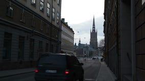 Via di Stokholm con un'automobile commovente archivi video