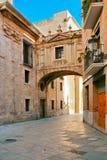 Via di vecchia città spagnola fotografie stock libere da diritti