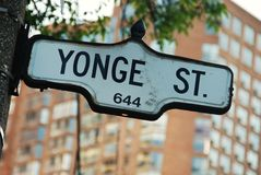 Via di Yonge - la strada più famosa nel Canada immagine stock libera da diritti