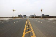 Via e costruzioni del ponte stradale Fotografia Stock Libera da Diritti