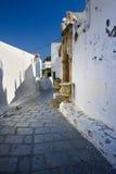 Via greca tradizionale in Lindos, Rodi Fotografia Stock