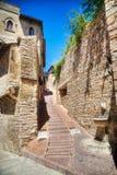 Via italiana comune di vecchia città immagini stock libere da diritti