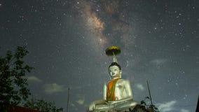Via Látea do lapso de tempo em Wat DoiKad Atração grande da Buda de Lamphun filme