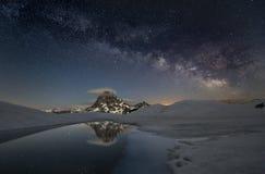 Via Lattea sopra le montagne Fotografia Stock Libera da Diritti
