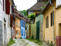 Via medioevale in Sighisoara. Immagine Stock