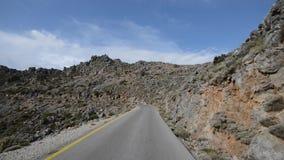 Via nella montagna di Creta stock footage