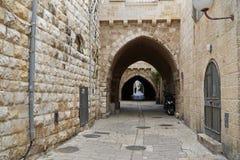 Via nella vecchia città di Gerusalemme Fotografia Stock