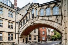 Via a Oxford con i bicicles Immagini Stock Libere da Diritti