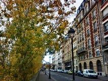 Via a Parigi Immagini Stock Libere da Diritti