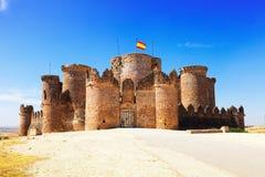 Via principal no castelo gótico em Belmonte Fotografia de Stock