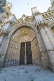 Via principal, Toledo - faca de Primada Santa Maria de Toledo da catedral fotos de stock royalty free