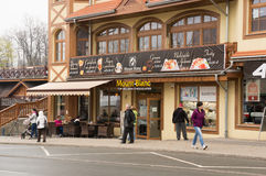 Via principale di Karpacz fotografie stock