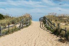 Via in salita della spiaggia di Sandbridge Fotografia Stock