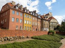 Via storica di vecchia città a Varsavia Immagini Stock Libere da Diritti