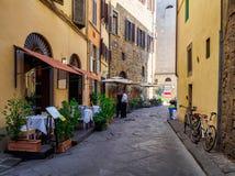 Via stretta a Firenze fotografie stock