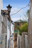 Via stretta a Ronda nelle montagne di Andalusia Immagini Stock Libere da Diritti