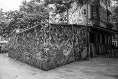 Via tipica del centro di vecchia città di Valencia fotografia stock