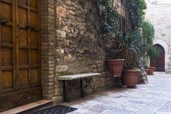 Via in una città dalla Toscana Fotografia Stock Libera da Diritti