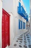 Via variopinta stretta di Mykonos Fotografie Stock Libere da Diritti