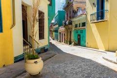 Via variopinta a vecchia Avana fotografia stock libera da diritti