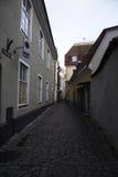 Via in vecchia città di Tallinn Fotografia Stock Libera da Diritti