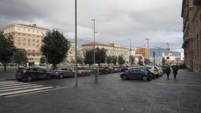 Via vicino alla piazza Municipio a Napoli archivi video