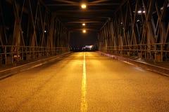 Via vuota alla notte Fotografia Stock Libera da Diritti