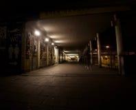 Via vuota di notte Fotografie Stock