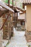 Via vuota in villaggio Fotografia Stock Libera da Diritti