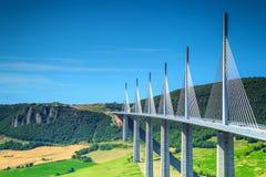 Viadotto famoso stupefacente regione di Millau, Aveyron, Francia, Europa Fotografia Stock
