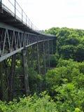 Viaduc victorien de Meldon de fer travaillé, ligne ferroviaire hors d'usage et partie de la manière de granit, Dartmoor images stock