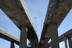 Viaducs urbains d'omnibus photographie stock