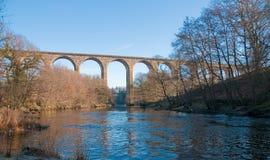 Viaduct über Fluss Stockbild