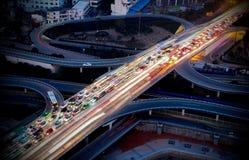 viaduct самомоднейшей ночи урбанский Стоковое фото RF