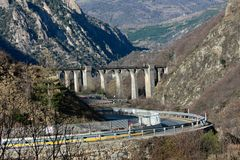 Viaduct in the mountains Royalty Free Stock Photos