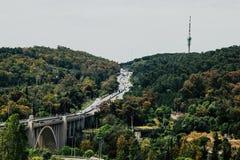 Viaduct van Duarte Pacheco in Lissabon Stock Foto's