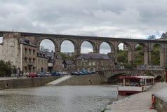Viaducto de Lanvallay, Dinan, Francia Fotografía de archivo