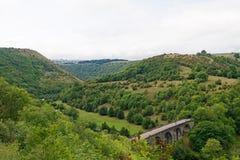 Viaducto de Monsal en verano tardío fotografía de archivo